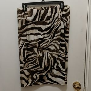 Chico's size 1 animal print pull on skirt